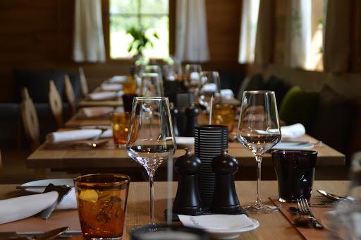 Aprovechar la luz natural para ahorrar energía en tu restaurante